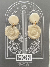 Load image into Gallery viewer, MON polymer earrings - For flowers sake #1