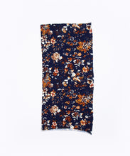 Load image into Gallery viewer, Sexy Socks active snood - Blue floral