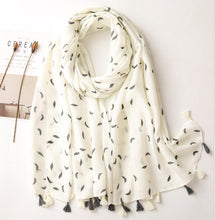 Load image into Gallery viewer, Scarf - cream black small feather print