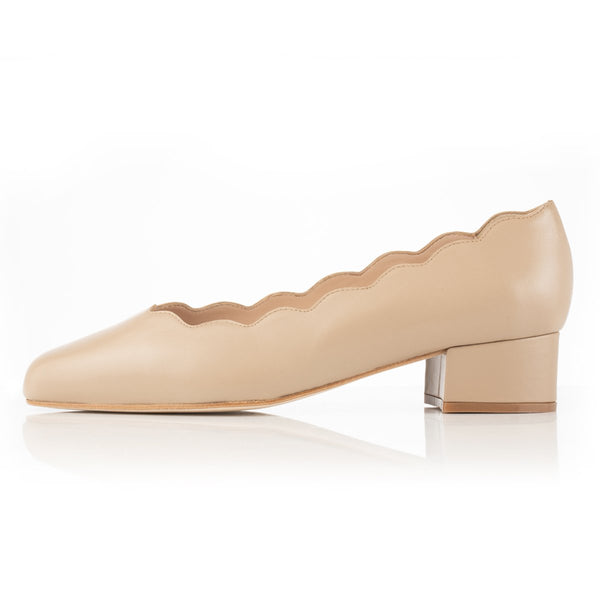 Grace Wide Fit Block Heel Pumps – Camel Leather With Scallop Edge - croftonandhall