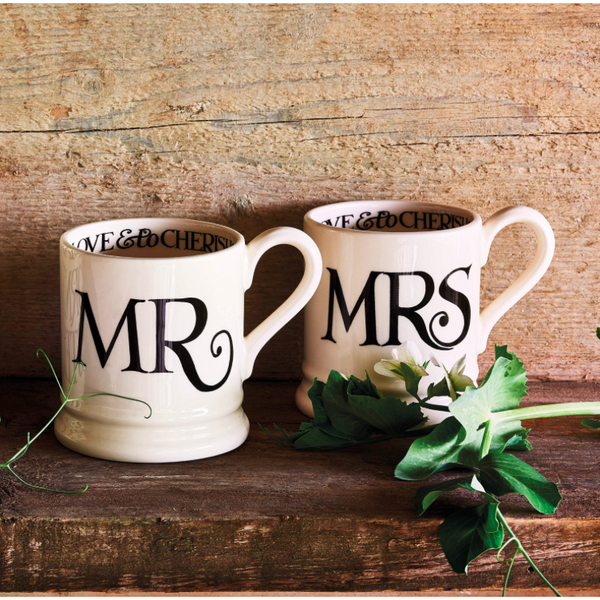 Black Toast 'Mr & Mrs' Set of 2 1/2 pint Mugs - croftonandhall