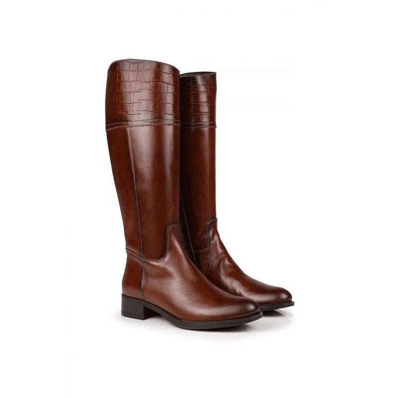 Hera Leather Boots in Chestnut - croftonandhall