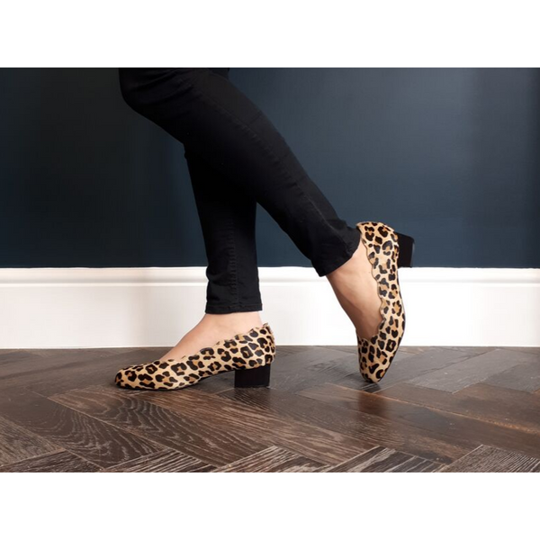 Grace Wide Fit Block Heel Pumps – Leopard Print With Scallop Edge - croftonandhall