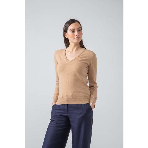 Classic V Neck Cashmere Jumper in Soft Camel - croftonandhall