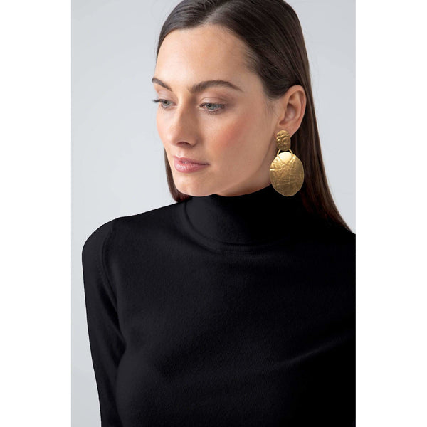 Classic Roll Neck Cashmere Jumper in Black - Crofton & Hall