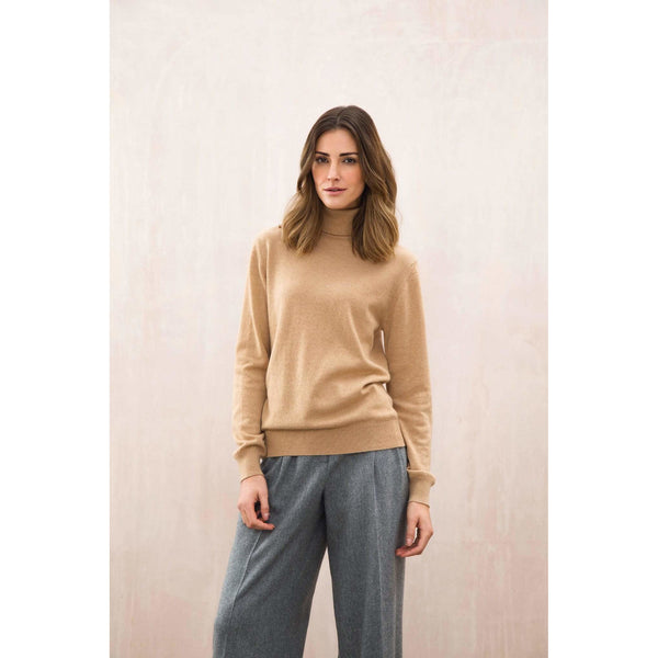 Classic Roll Neck Cashmere Jumper in Soft Camel