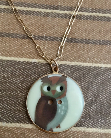 Vintage side eye owl button charm
