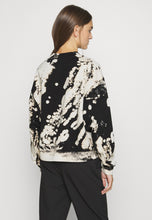 Load image into Gallery viewer, Amaze Tie Dye Sweater