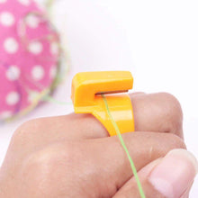 Load image into Gallery viewer, Finger Blade Ring Thread Cutter