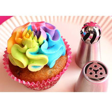 Load image into Gallery viewer, Butter Cream Flowers Professional Nozzle (3pcs Set)