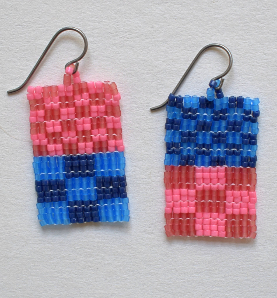 Little check duo earrings - blue and pink