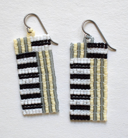 Mini stripes earrings - neutrals