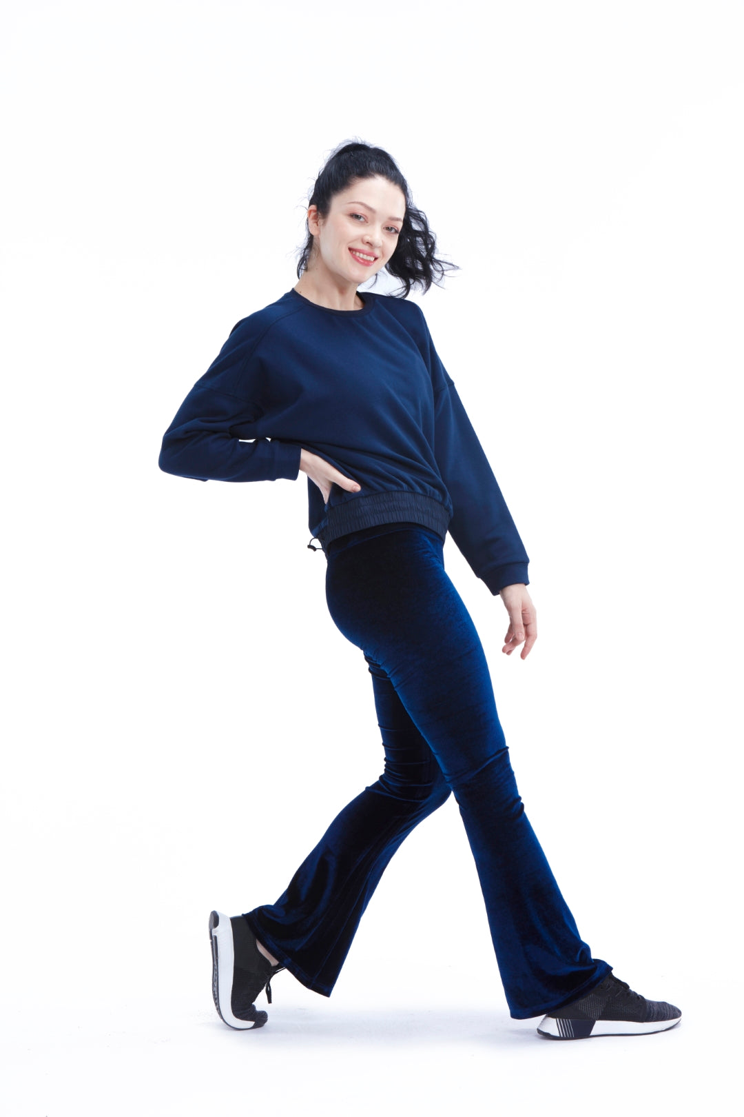 Essential Sweatshirt - Navy Blue