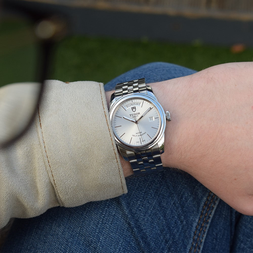 Tudor Glamour Date-Day 56000