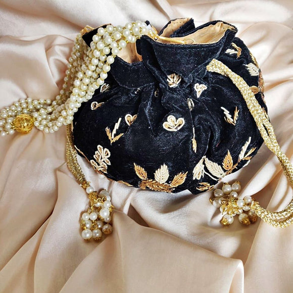Black Velvet Potli Bag - Indien Boutique