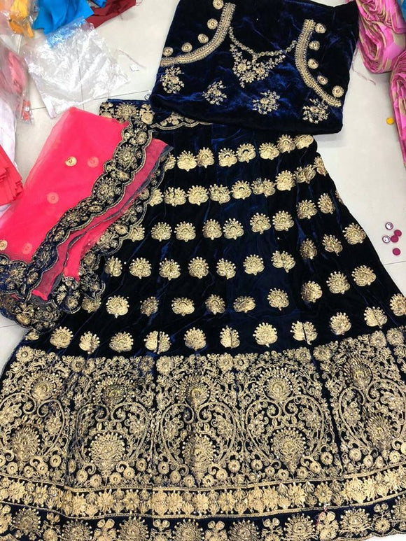 Velvet Embroidered lehenga - Indien Boutique