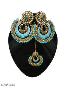 Meenakari Kundan earrings and maangtika - Indien Boutique