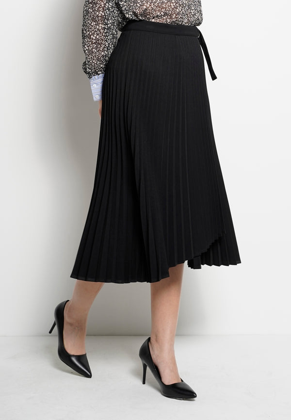 Women Pleated Long Skirt  - Black