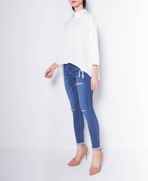 Women Shirt Blouse With Uneven Hemline - White - F9W147