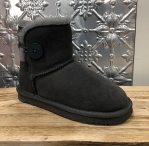 Grosby Button UGG - Emelda's Shoes