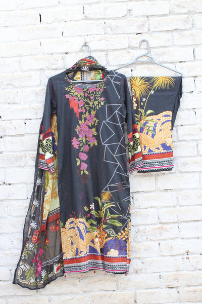3pc- Ready To Wear Shirt: Shirt: Digital Printed Embroided Lawn + Dupatta: DIGITAL PRINTED CRINKLE Trouser: DIGITAL PRINTED1-1831 - leftover.pk
