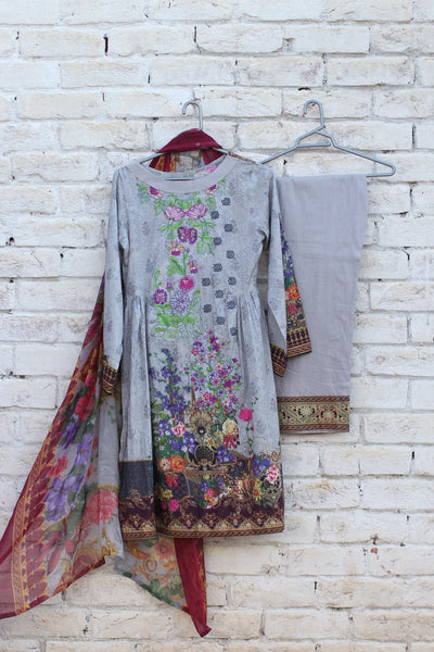 3pc- Ready To Wear DIGITAL PRINTED AND EMBROIDED SHIRT + DUPATTA: PRINTED CHIFFON, TROUSER: PLAIN 1-1996 - leftover.pk