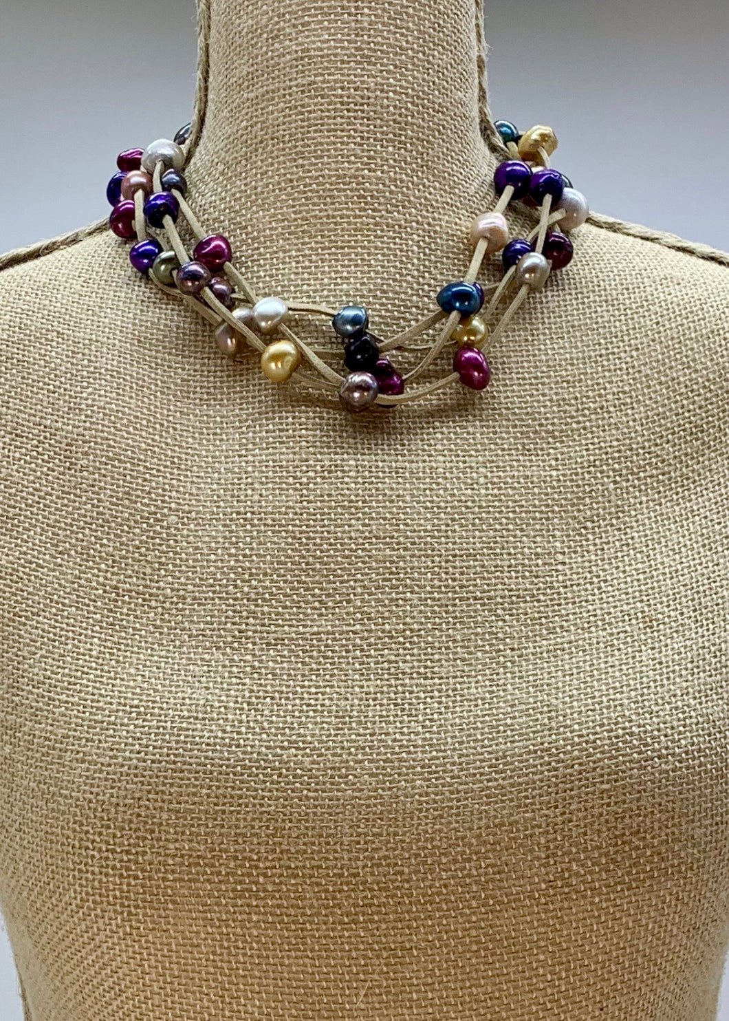 ARDEN NECKLACE SAND/MULTI-WANTED 1 ONLY