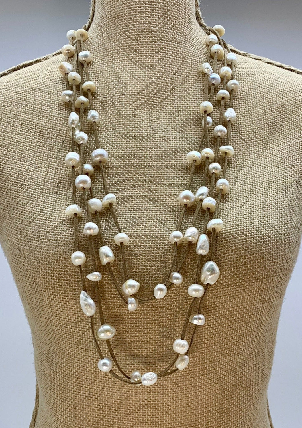 BRE NECKLACE  - 002 - TAUPE WHITE