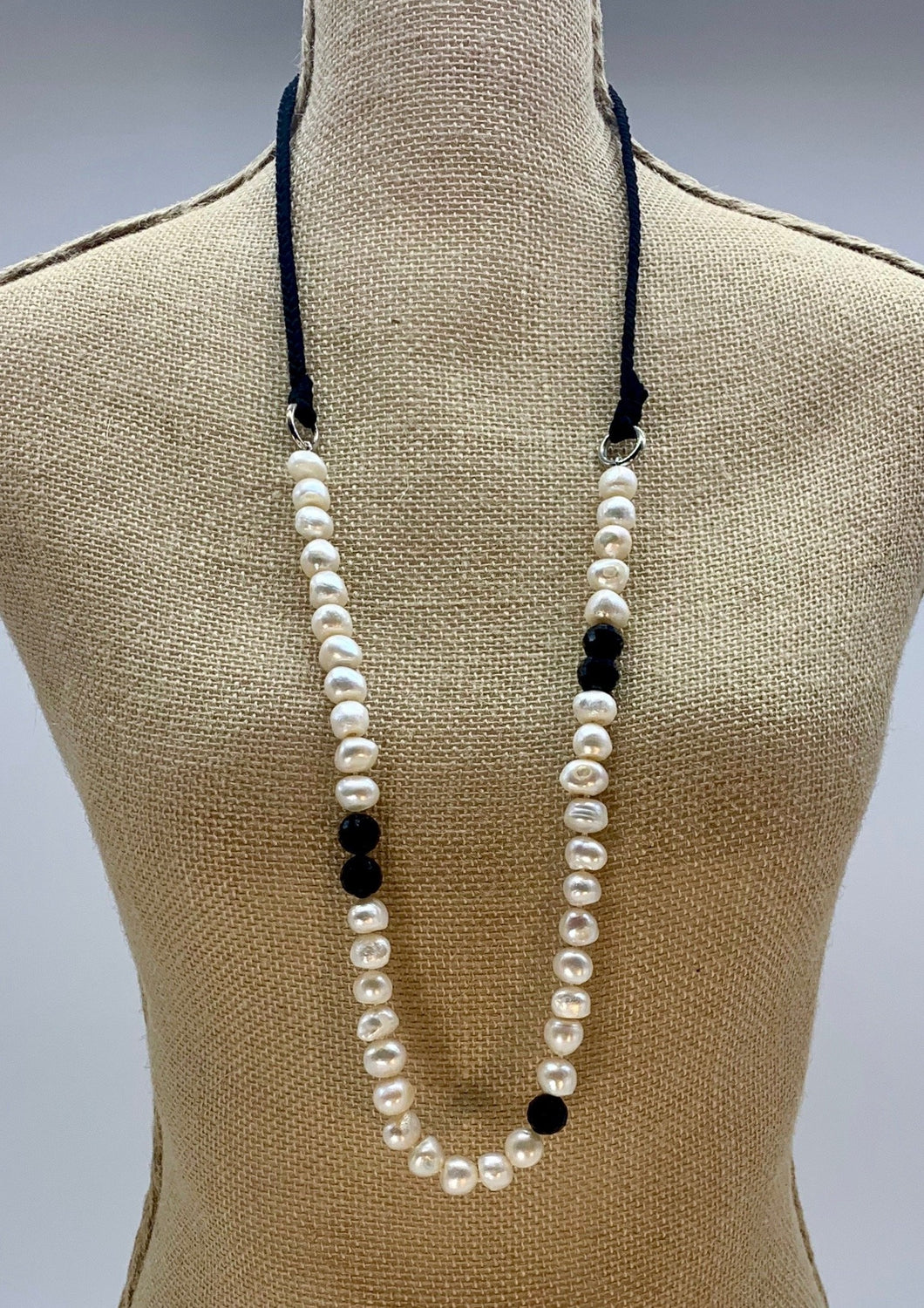 CADENCE NECKLACE  - 006 - BLACK WHITE