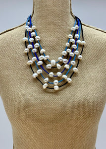 GABBY NECKLACE  BLUE-WANTED 1 ONLY