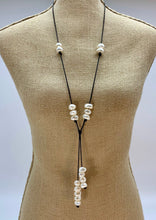 Load image into Gallery viewer, TAMMY NECKLACE - 053 - BLACK WHITE