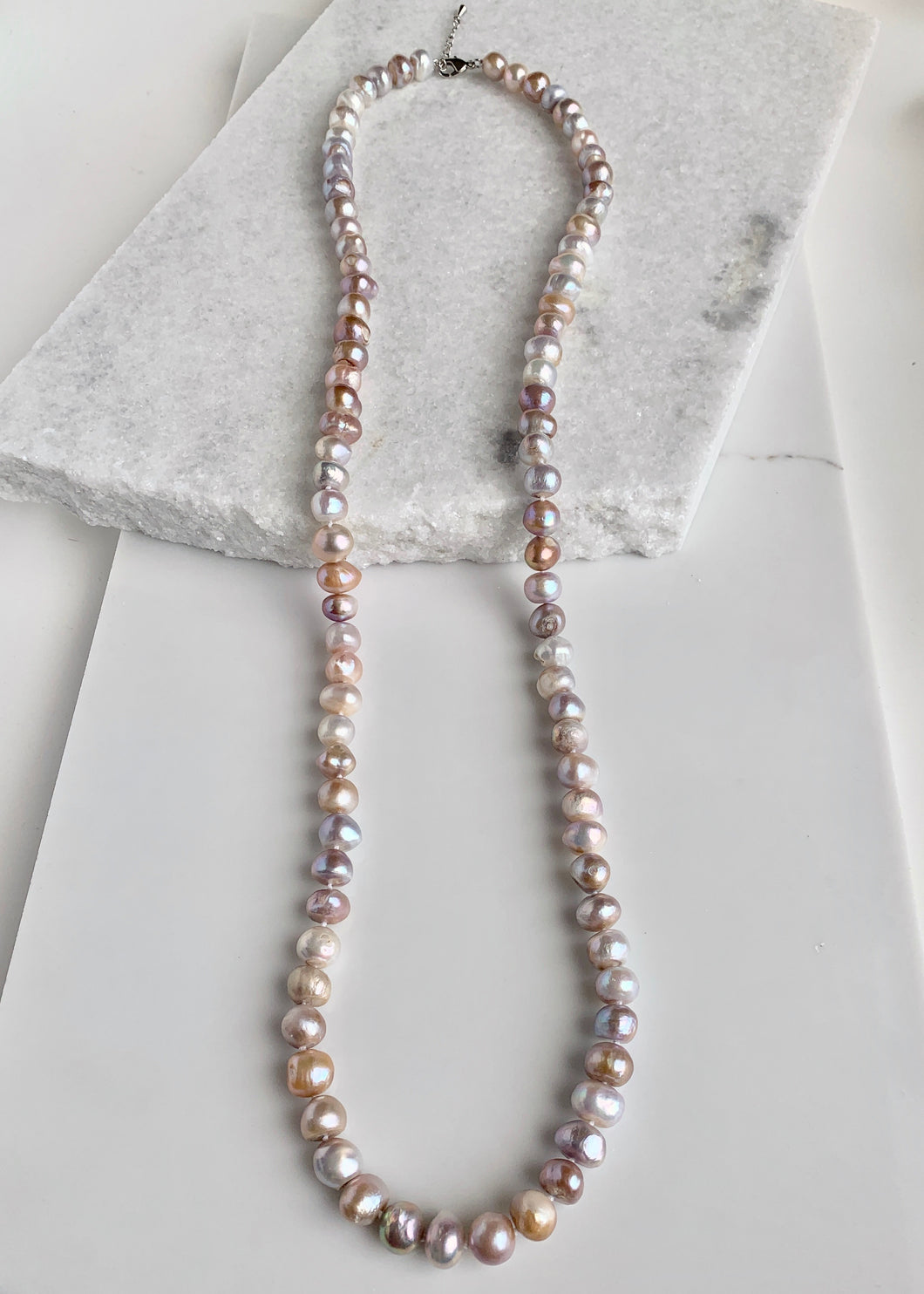 GRACE NECKLACE - 039 - NATURAL PINK