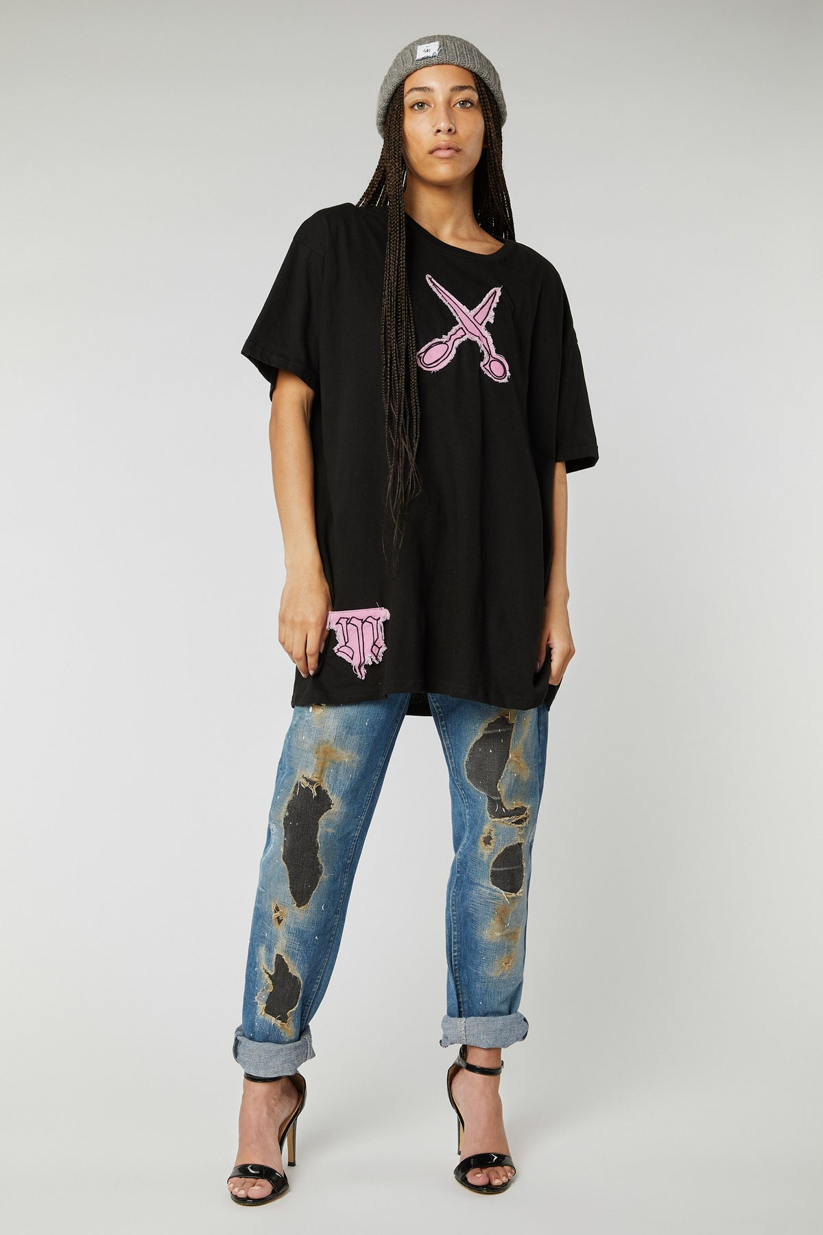 OVERSIZED SCISSORS EMBROIDERED COTTON T-SHIRTS IN L/XL PINK