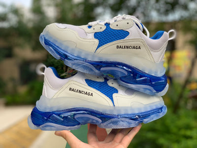 Tênis Balenciaga Triple S Light Blue