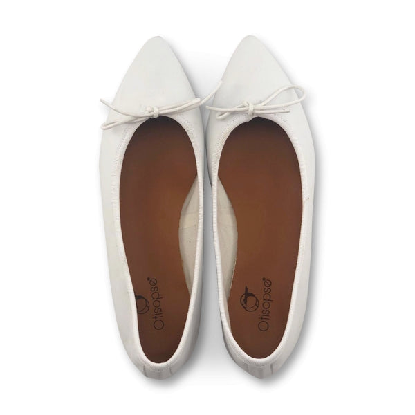 Flat shoes in pelle bianca