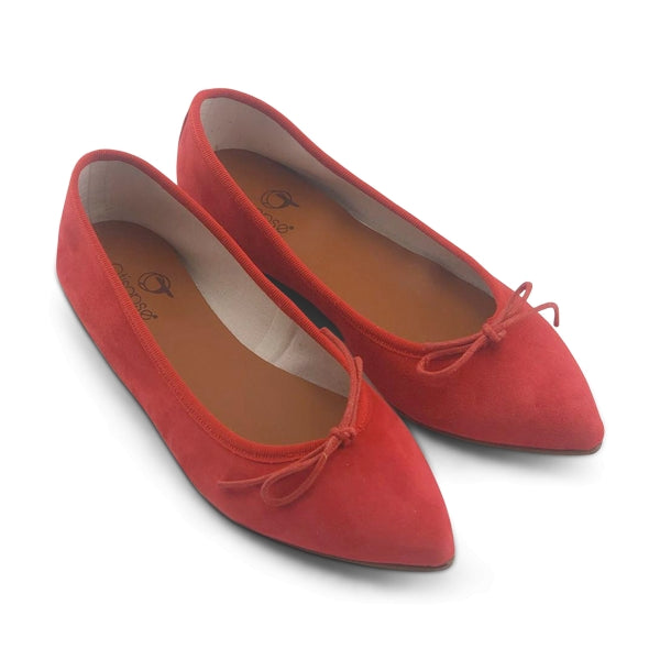 Flat shoes in camoscio rosso