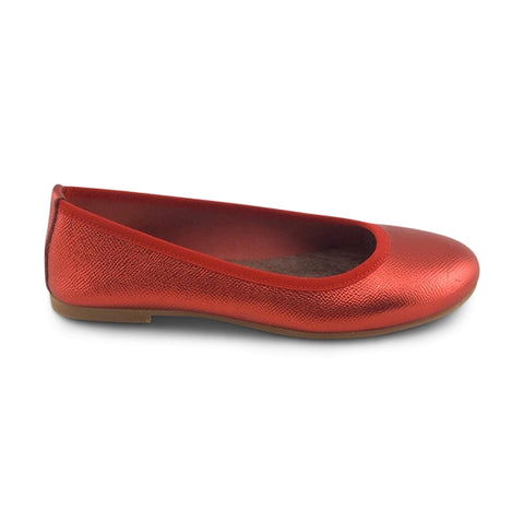 Red leather flat shoes
