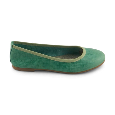 Green leather flat shoes