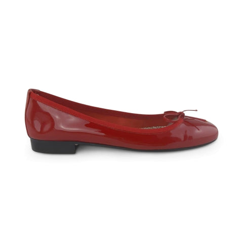 Red patent leather flat shoes