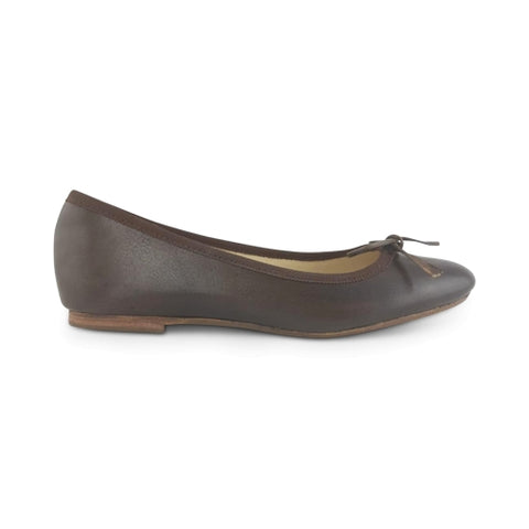 Dark brown leather flat shoes