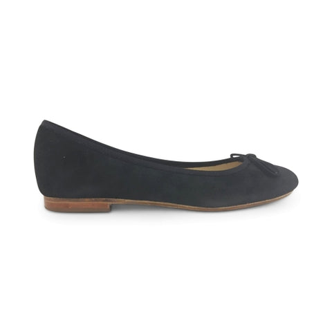 Flat shoes in camoscio nero