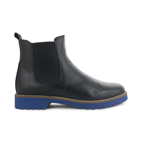 Chelsea boots in leather with rubber sole