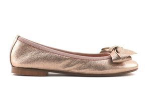 Flat shoes in pelle dorata