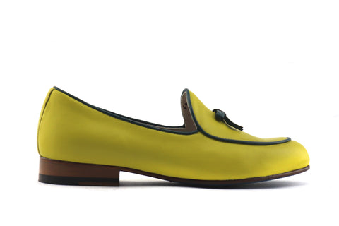 Woman's slipper in yellow leather
