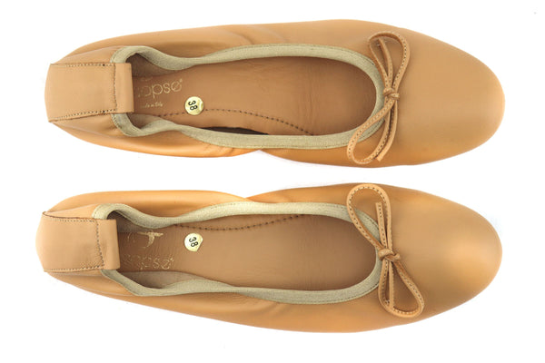 Flat shoes in pelle beige
