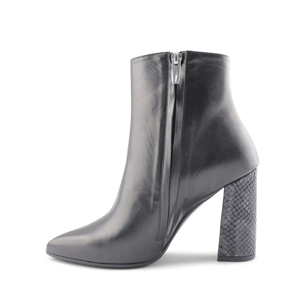 Stivaletto da donna in pelle nero t.90