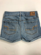 Load image into Gallery viewer, American Eagle Womens Shorts Size 0