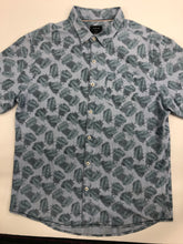 Load image into Gallery viewer, Mens Short Sleeve Top Size Large