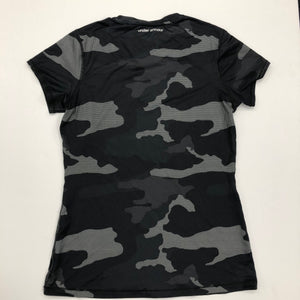 Under Armour Womens Athletic Top Size Medium