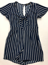 Load image into Gallery viewer, Womens Romper Size 7/8 (29)